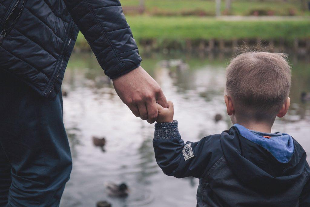 Avviso per sostegno economico alle famiglie con minori fino a 12 anni nello spettro autistico